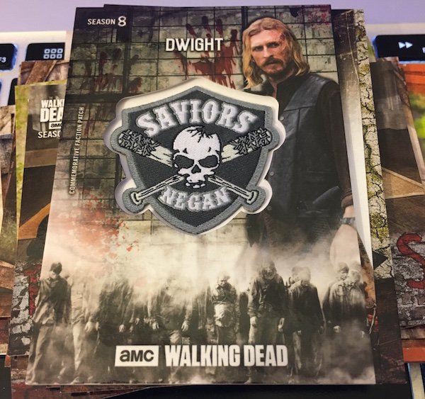 Topps The Walking Dead 2018 COMMEMORATIVE BAT CARD Choose your Card!